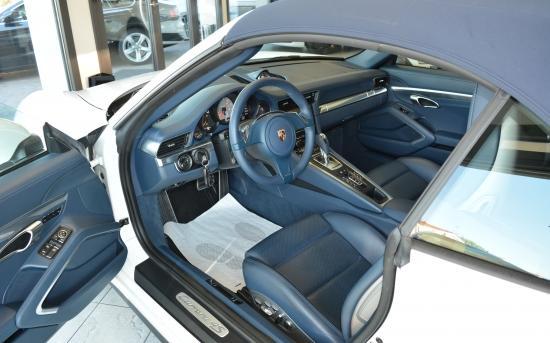 Porsche Carrera interni